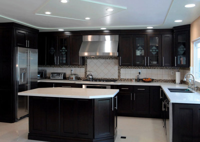 Espresso kitchen cabinets with shaker doors
