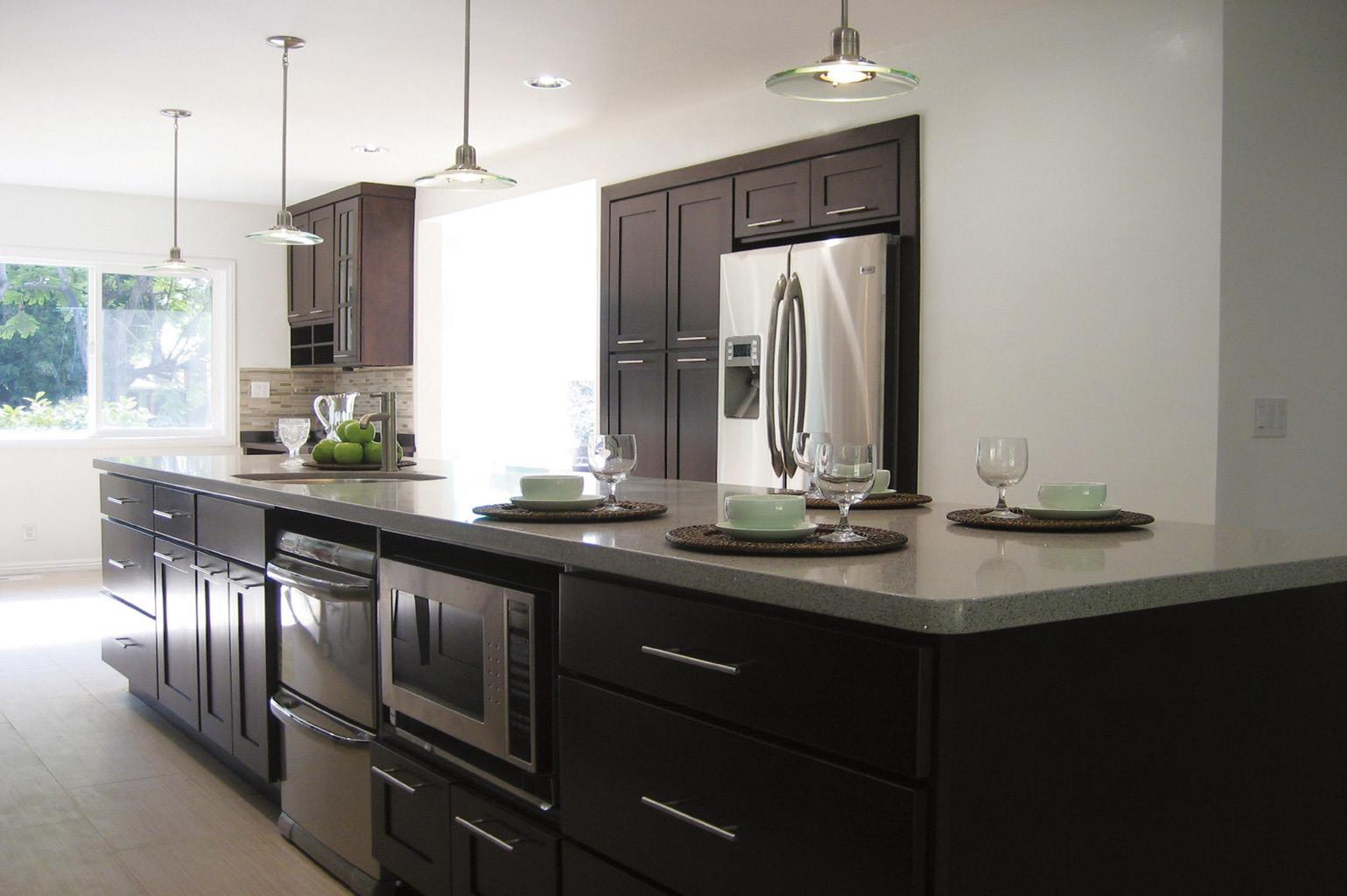 Kitchen Cabinets For Small Kitchens: Talk To A Pro About Stock Kitchen Cabinets & Remodeling