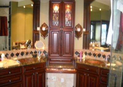 Bathroom vanities Orange County - Featuring makeup station