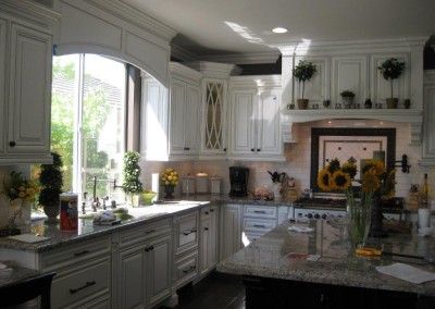 White kitchen cabinets are a great choice for your kitchen cabinet refacing project or custom kitchen cabinets.