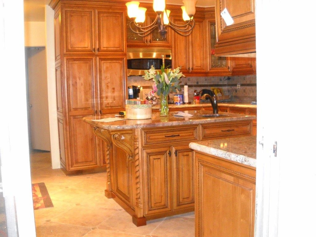 Kitchen cabinets in Ladera Ranch. Call us for your cabinet refacing or custom cabinets.