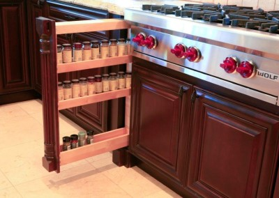 Pull out spice rack and Wolf stove