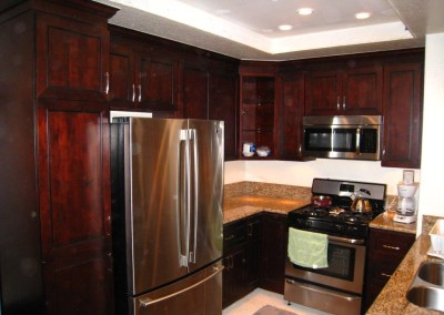 U shaped kitchen cabinets with glaze