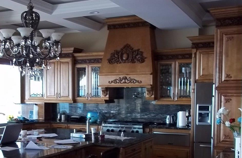 Maple kitchen cabinets with decorate glass doors. ⋆ ...