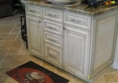Glazed kitchen cabinets with granite counter tops