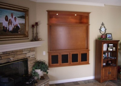 Wall unit built into wall niche