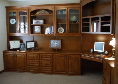 Home office furniture with corner desk