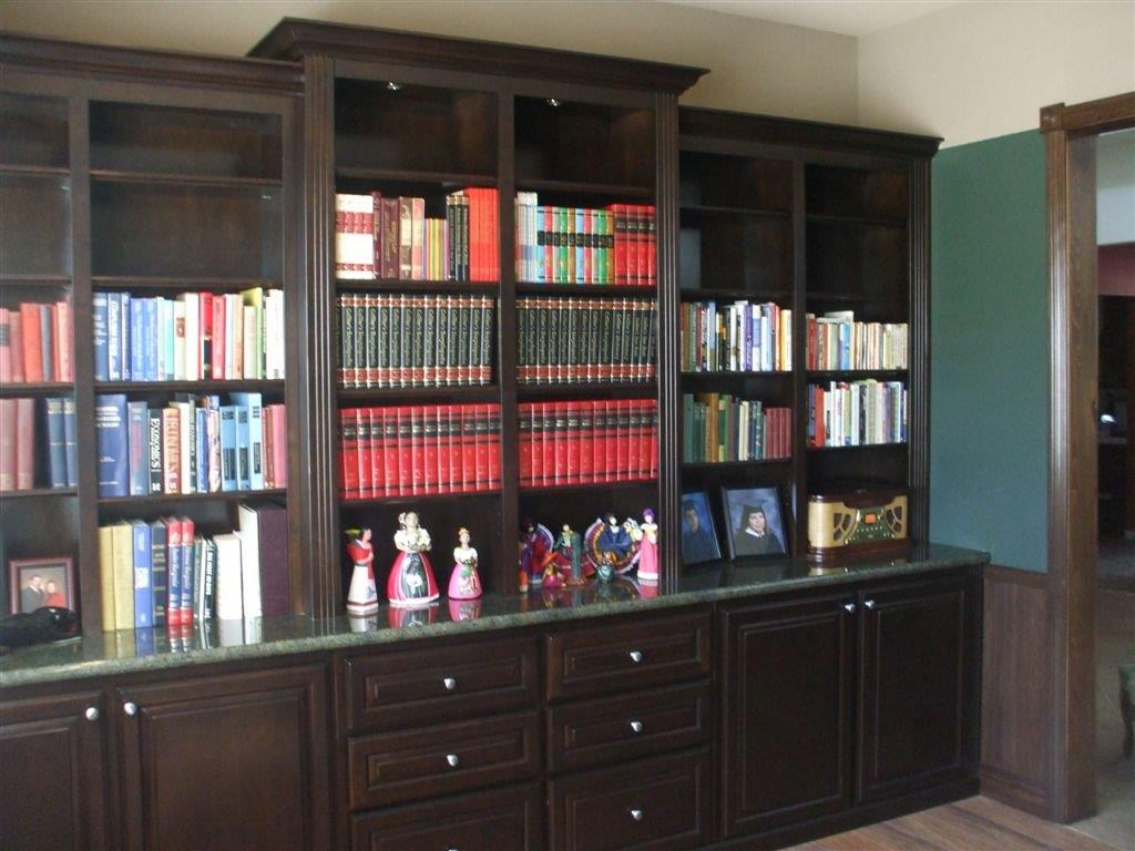 Built In Home Offices And Bookcases.