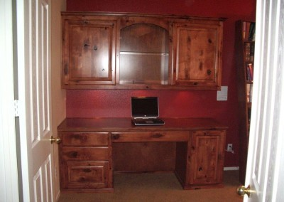 Built in desk with knotty maple