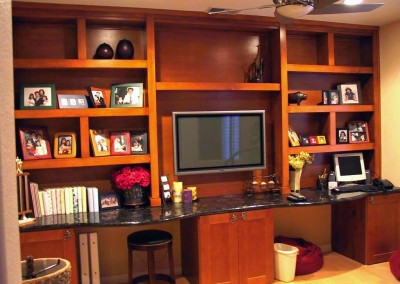 Built in home office cabinets with shaker doors