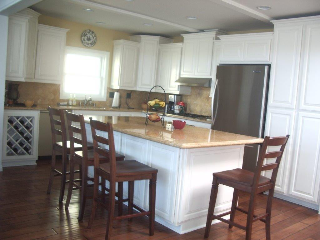 White glazed kitchen cabinets for your kitchen remodel Bright kitchen
